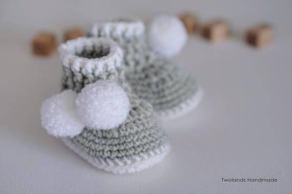 Pearl grey baby schoes, baby booties, crochet booties.