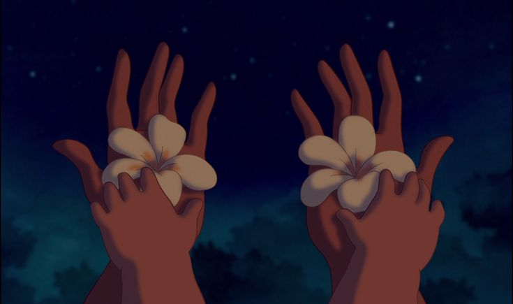 Lilo and Nani hands