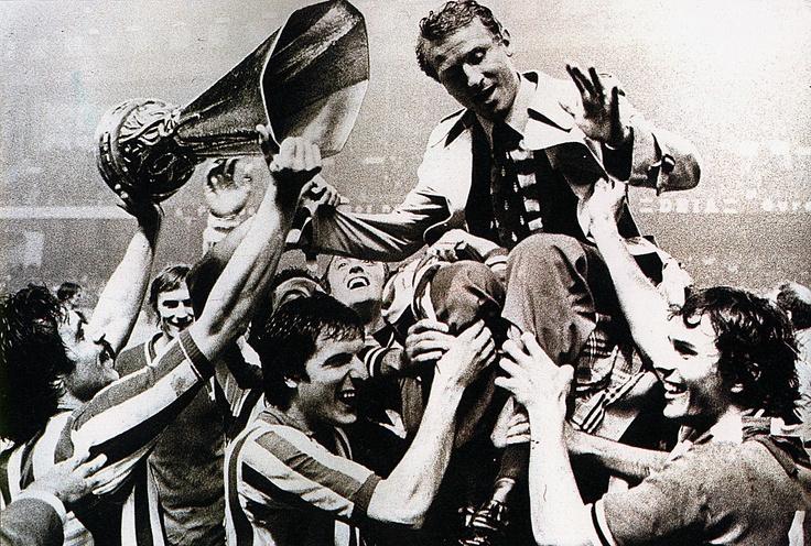 Juventus celebration UEFA Cup 1977