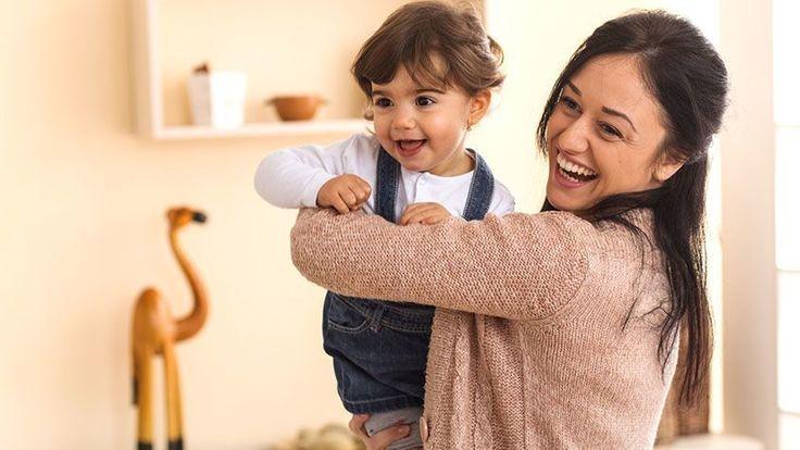 TANULÁS? NEVETVE MEGOLDHATÓ! Francia kutatók szerint, ha megnevettetjük a gyerekeket, mialatt tanítunk neki valamit, azzal felgyorsíthatjuk náluk a tanulás folyamatát.