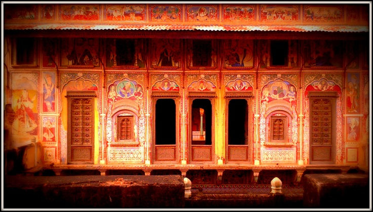 exquisitely beautiful miniature paintings adorn the walls of the  Haveli in Nawalgarh