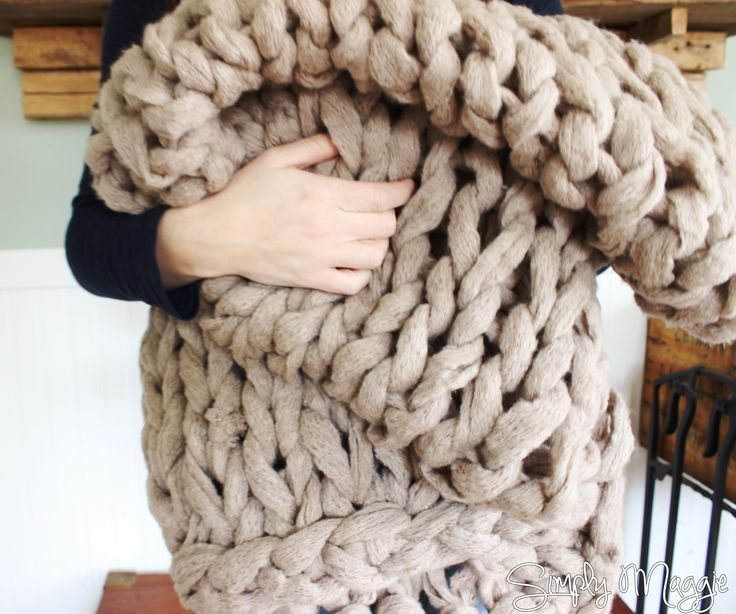 How to Arm Knit a Blanket in 45 Minutes! www.SimplyMaggie.com- That yarn!  Couture Jazz