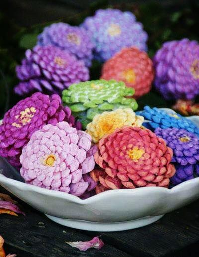 Pinecones painted like Zinnias make a centerpiece that doesn't require watering! Love it! So cheerful! Also, could be used to make a Zinnia Wreath!