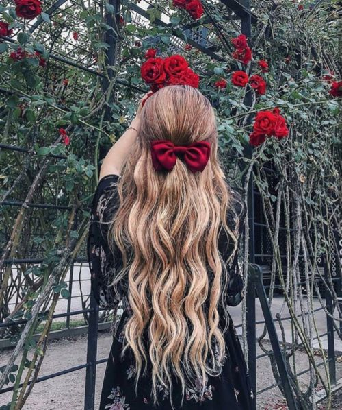 Shared by 𝑷𝒂𝒖𝒍𝒊𝒏𝒆♛. Find images and videos about girl, fashion and hair on We Heart It - the app to get lost in what you love.