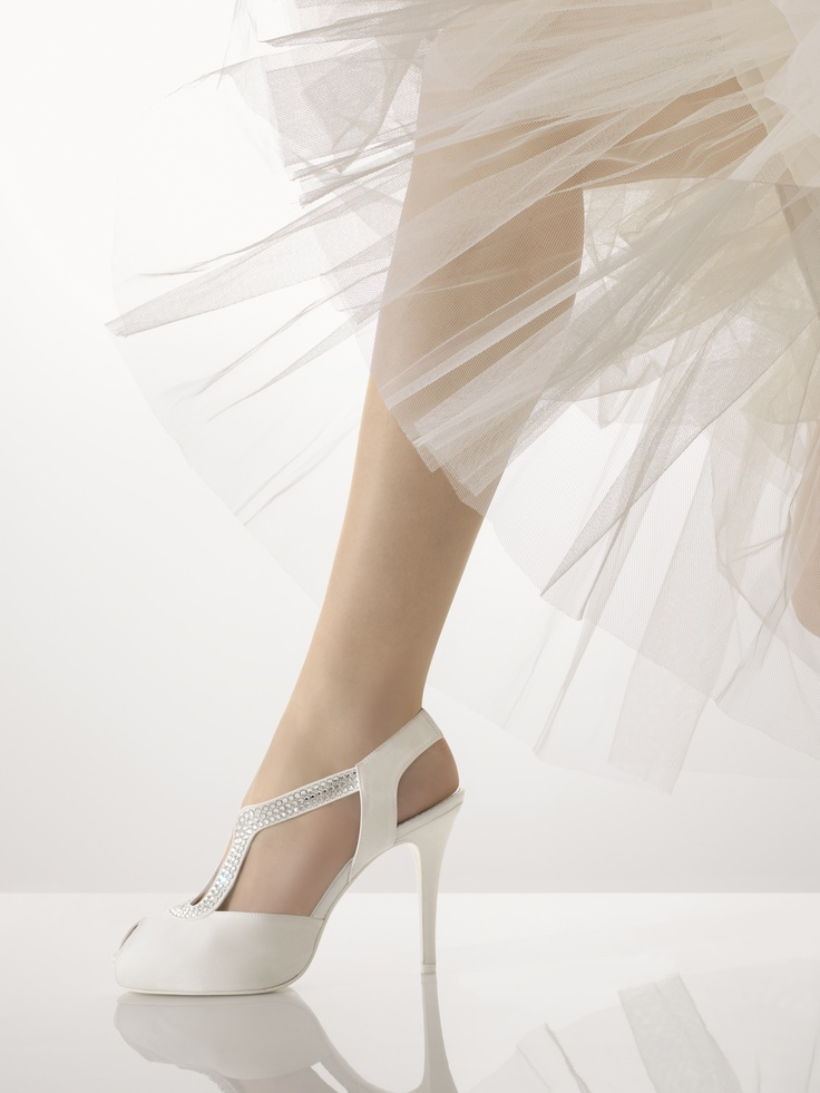 Zapato punta redonda,blanco,taco fino