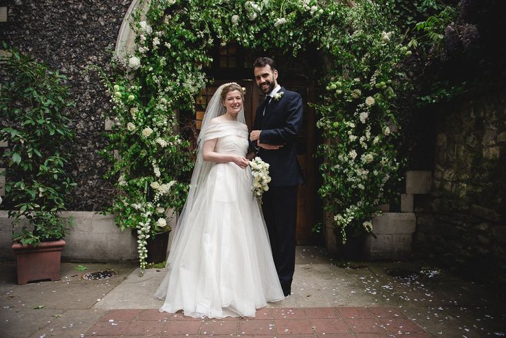 Styling by Jessica | Wedding flowers Cambridge London Essex | Countryside wedding, loose natural wild wedding flowers neutral green white  foliages flower arch traditional english wedding bouquet