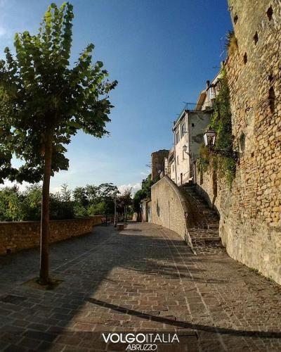 Abruzzo: #CASTIGLIONE #MESSER #RAIMONDO (TE)  Foto di @ (volgoabruzzo) (link: http://ift.tt/2cXCL3X )