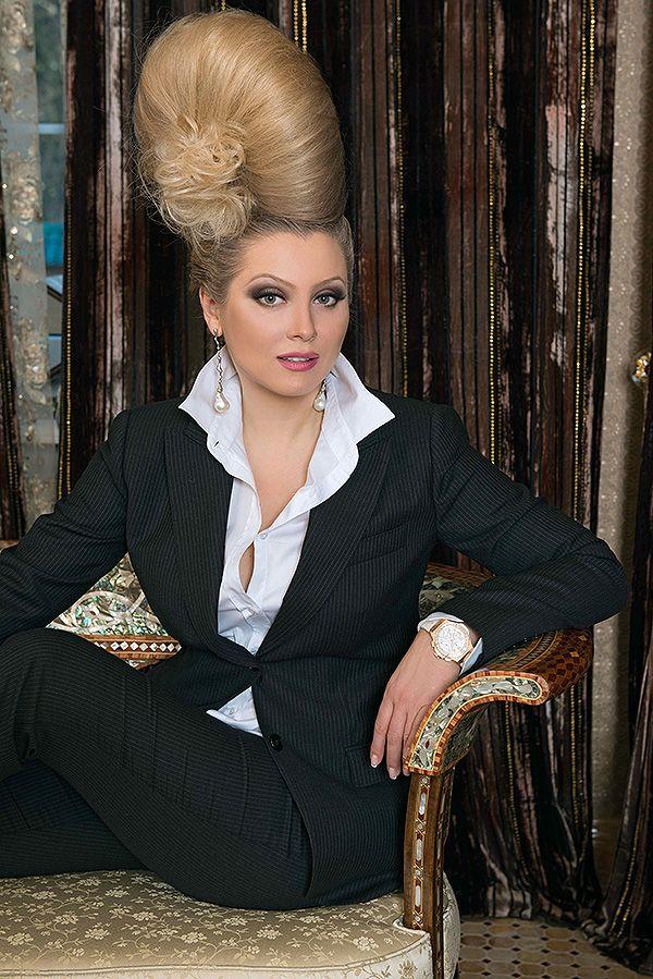 <i>Специально для <b>Дней.Ру</b> писательница и ведущая светских раутов взяла интервью у популярного модельера Айзаны Джабраиловой из модного дома Aset. Лена Ленина выяснила, что сейчас в почете у обитательниц Рублевки.</i>