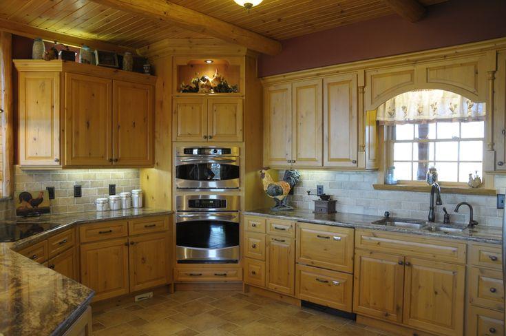 Best 25 log home kitchens ideas on pinterest log cabin for Log cabin kitchen backsplash ideas