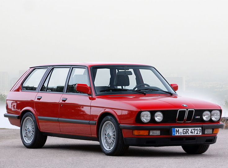 BMW M5 Estate. I don't think this is real.