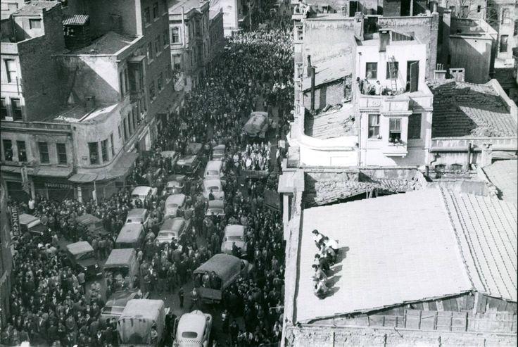 Ankara Caddesi / Mayıs 1960 http://ift.tt/2au2Avj