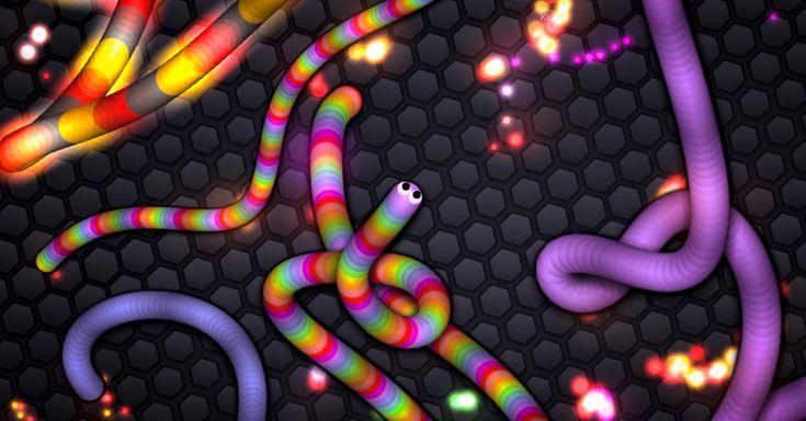 """El juego Slither.io es altamente adictivo, similar al juego """"Snake"""" de los antiguos celulares, se puede jugar en el navegador, o mediante las aplicaciones de Android y iOS"""