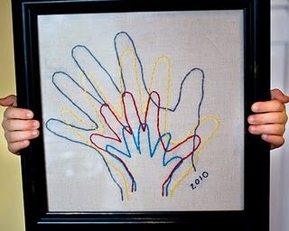 Sweet idea.: Hands Prints, Family Portraits, Cute Idea, Kids, Families Hands, Gifts Idea, Families Portraits, Embroidered Families, Crafts