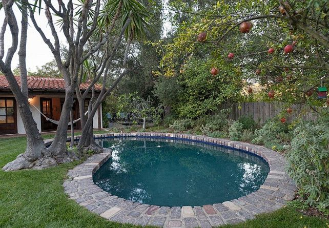 25 best ideas about kidney shaped pool on pinterest for Buy house hollywood hills