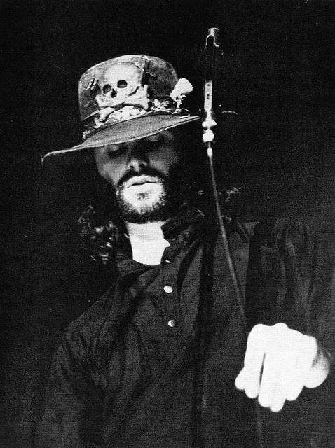 When he was younger, he said in 16 Magazine that he never wore hats. As he grew older, he wore more and more hats -- and looked amazing in them. I wonder where he bought this skull hat. It suits him.