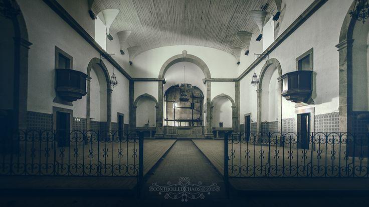 God as left the building | Deus abandonou o edifício | Flickr - Photo Sharing!