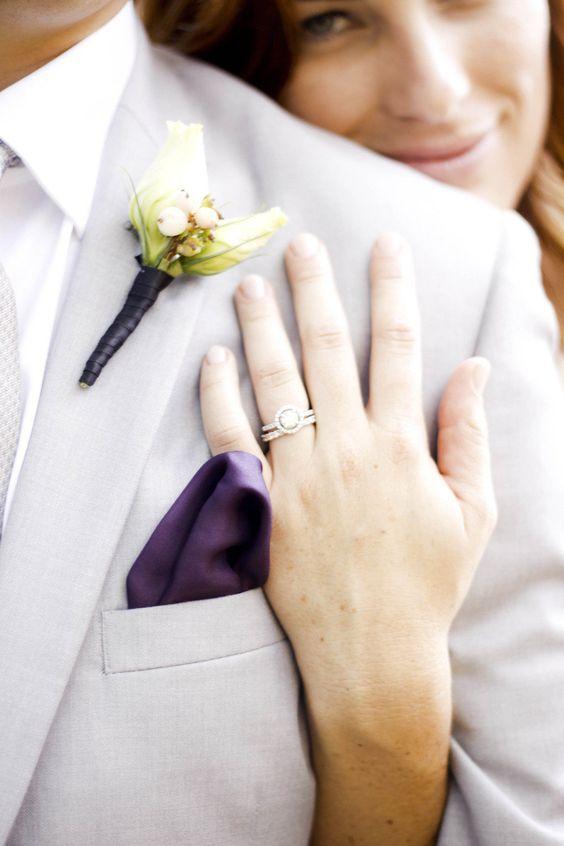 Rose Boutonniere Inspiration  Keywords: #boutonnieres #jevelweddingplanning Follow Us: www.jevelweddingplanning.com  www.facebook.com/jevelweddingplanning/