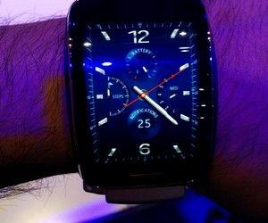 O smartwatch Sansung Gear 3  (Foto: Bruno Ferrari/ Época)