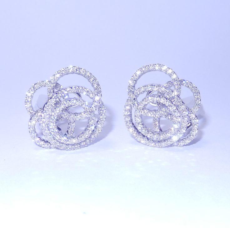 Diamant Ohrringe aus 750/18K Weißgold mit 3.02 Karat Diamanten  Diamantohrringe vom Juwelierhaus Abt in Dortmund  #diamantohrringe #diamanten #ohrringe #juwelier #abt #dortmund #weißgold #geschenk #weihnachten #geschenkidee