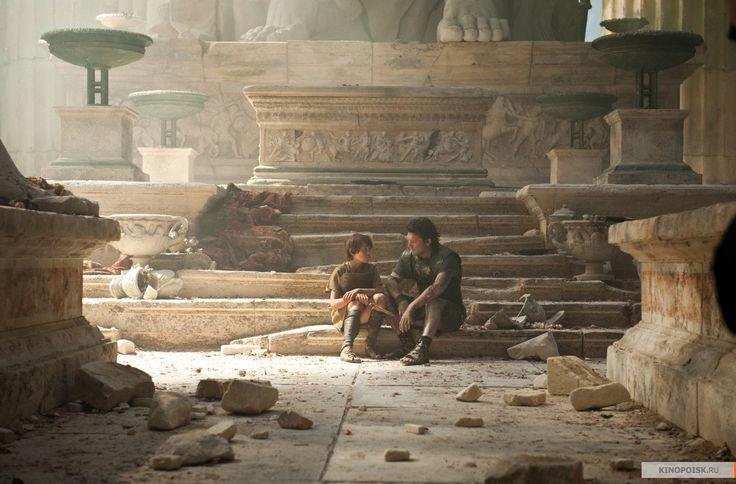 Wrath of the Titans, 2012 режиссер: Джонатан Либесман художник: Чарльз Вуд, Томас Браун, Рэй Чан