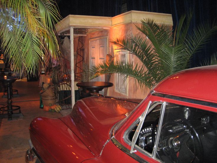 Viva Cuba, met echte auto's en 3D decors.