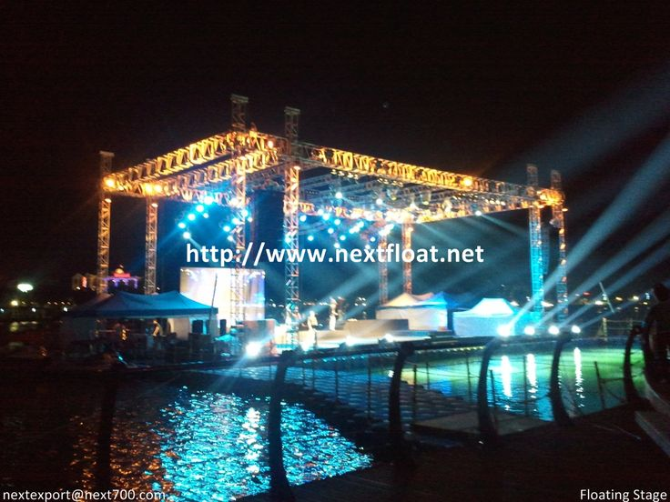It is a night show for floating music stage in Korea. With nextfloat, we will be able to apply any kinds of floating platform. 야간에 촬영된 수상무대로 무거운 시설물을 쉽게 버틸수 있는 장점을 가지고 있습니다.