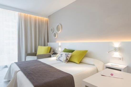 Book Hotel JS Sol de Alcudia, Majorca on TripAdvisor: See 269 traveler reviews, 357 candid photos, and great deals for Hotel JS Sol de Alcudia, ranked #10 of 48 hotels in Majorca and rated 4 of 5 at TripAdvisor.