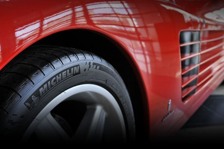 ps-2-tyre-background.jpg (3456×2304)