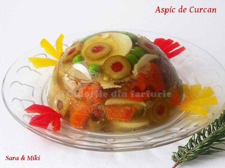 Cum piftia de porc a fost de Craciun, acum de Revelion am facut un Aspic de Curcan. Aspicul este un Consommé, adica o supa limpede, pregatita prin fierberea inceata si indelungata a carnii s…