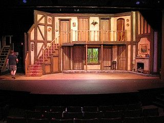 Noises off two story set design.. wohooo back again at ED annual drama..though i don't think that the set looked like this