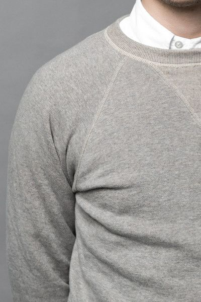 Raglan sleeves were introduced in the 19th century, replacing regular sleeves especially in activities, which needed the fabric to be as flexible as possible. That was the case for lord Raglan, whose main extracurricular activity was sword fighting. Raglan sleeve extends in one piece to the collar leaving a diagonal seam from underarm to collar giving the wearer maximum freedom of movement. #raglansleeves #sweatshirt #ocbd