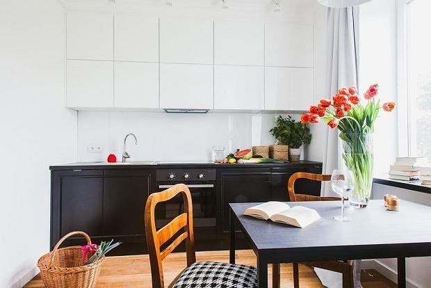 Aranzacja Salonu Z Aneksem Kuchennym Kitchen Interior Home Decor Kitchen Kitchen Dining Room