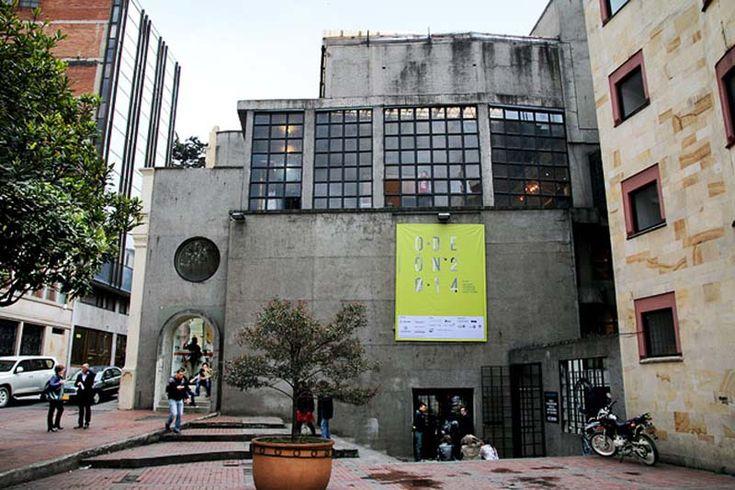 Este es un edificio emblemático, patrimonio histórico y arquitectónico del centro de Bogotá. La parte antigua del edifico fue inaugurada en 1939 para albergar el Cinema Odeón uno de los primeros cines del país. El cinema funcionó hasta 1948, año en que la estructura del edificio sufrió graves daños a causa de los disturbios y fue clausurada.