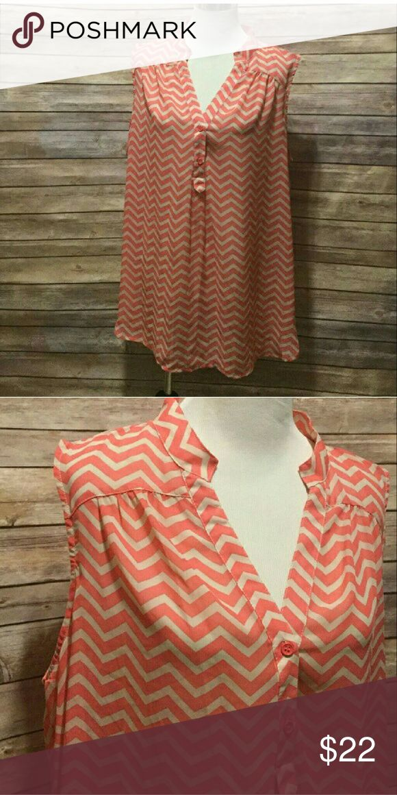 cream & peachy orange chevron blouse plus size 2x. tan/cream chevron sleeveless blouse. buttons at bust. Super flattering. Tops
