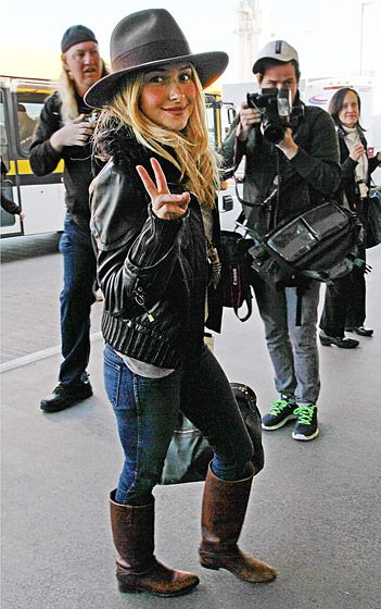 Nashville actress Hayden Panettiere made her way through LAX airport on Jan. 14 in Los Angeles.