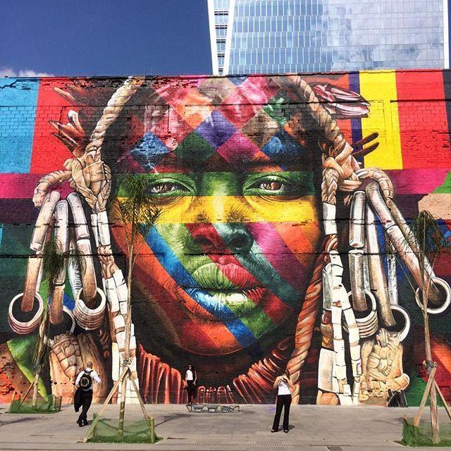 Olimpiadas #rio2016  O gigantesco painel do artista Kobra é apenas uma das…