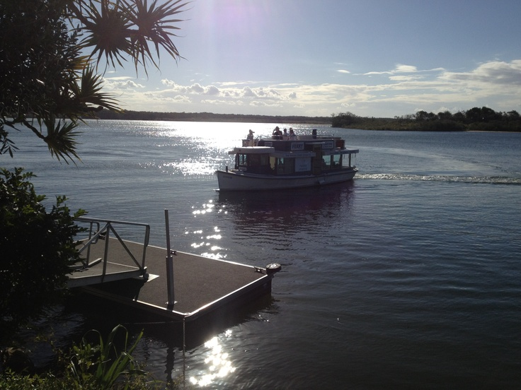 Noosa Ferry landing at Q Place - Rickys Restaurant