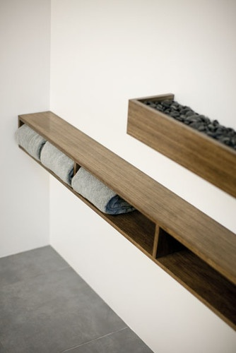 Shelves cool, spa like displays