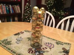 Classy God Focused Advent calendar idea. Great to teach the true meaning of Christmas to kids of all ages. Easy and inexpensive to make and adds to the decorations.