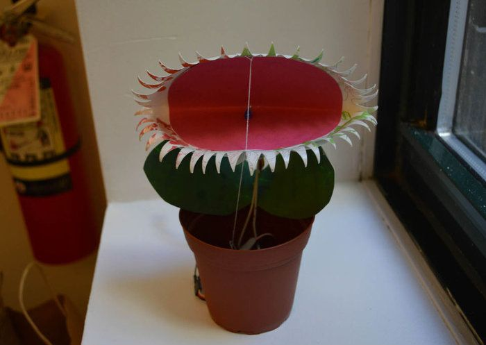 Venus Fly Trap Toy powered by Intel Edison