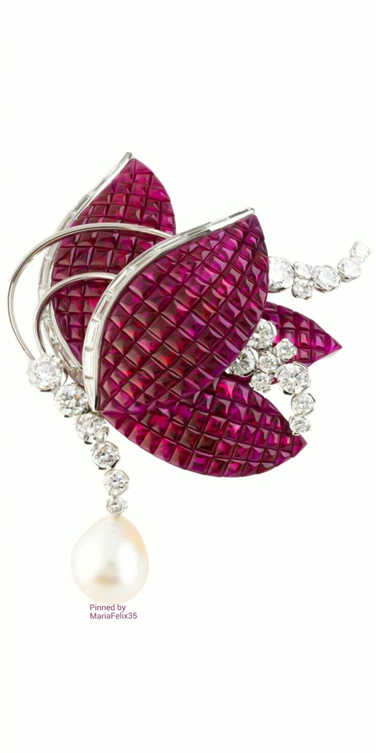 Van cleef amp arpels vca 18k yellow gold ruby cabochon amp diamond - Van Cleef Arpels
