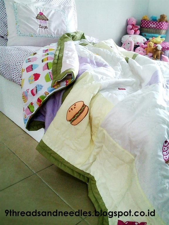 Really smart! Looks like a branded bedding  MAKING QUILTED DUVET COVER   MEMBUAT DUVET COVER UNTUK SELIMUT    [ Part – I ]     In my home town, during this season is very cool.. We...