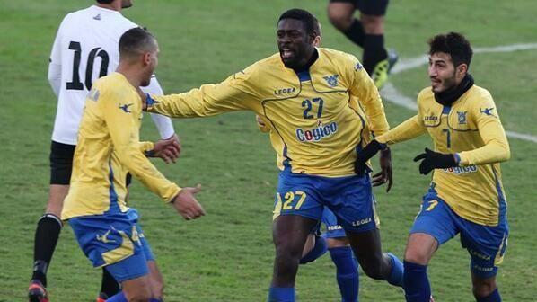 Triste nouvelle pour Kolo et Yaya Touré - http://www.actusports.fr/107241/triste-nouvelle-kolo-yaya-toure/