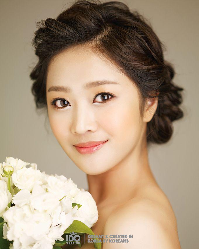KOREAN WEDDING PHOTO HAIR MAKEUP STYLE