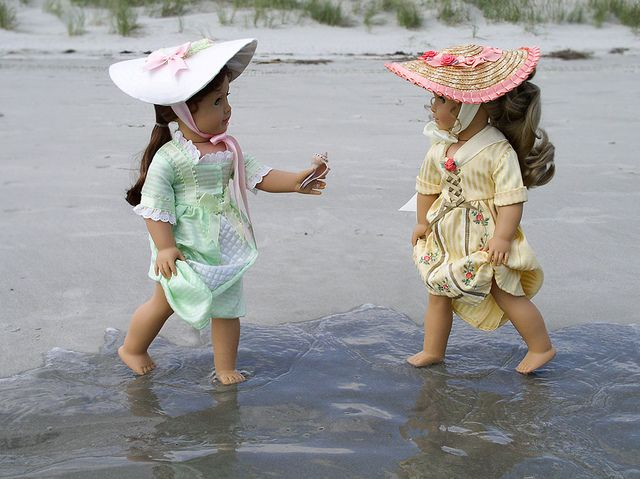 American Girl dolls at the beach by Julia Monroe, via Flickr