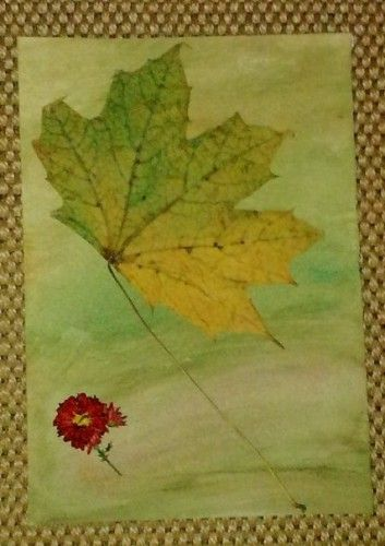 You can easily make a decoration for your home, using pressed or dried flowers and leaves. I recommend you to stick the flowers and the leaves on a cardboard painted with watercolor or acrylic.    It's a simple decoration which will store the smell and the colors of your seasons. My decoration tells the story on a windy background.