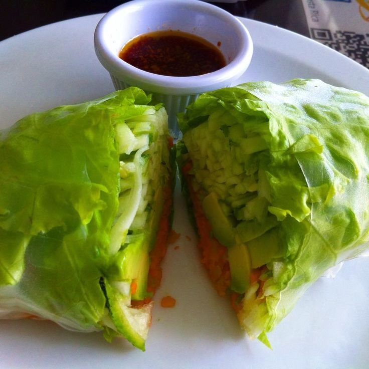 Loving Hut spring roll with veggies, avocado and ginger sesame dipping ...