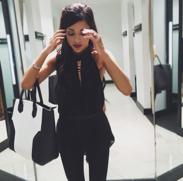 Ahh, I love this halter/choker blouse so much. Perfect... theapresgal ❄△