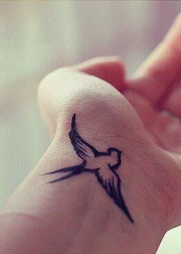 I want a sparrow tattoo so bad! Love this!