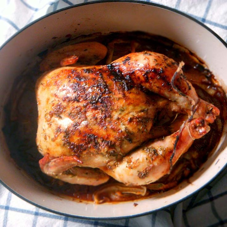 Lemon Garlic Rosemary Roast Chicken |The best recipe for roast chicken with the most amazing flavor EVER, plus how to make the perfect roast...